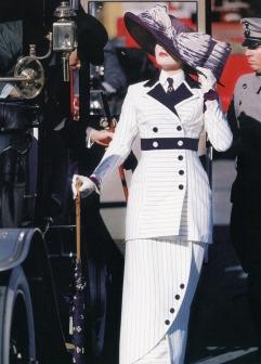 kate_winslett_titanic_costume_700