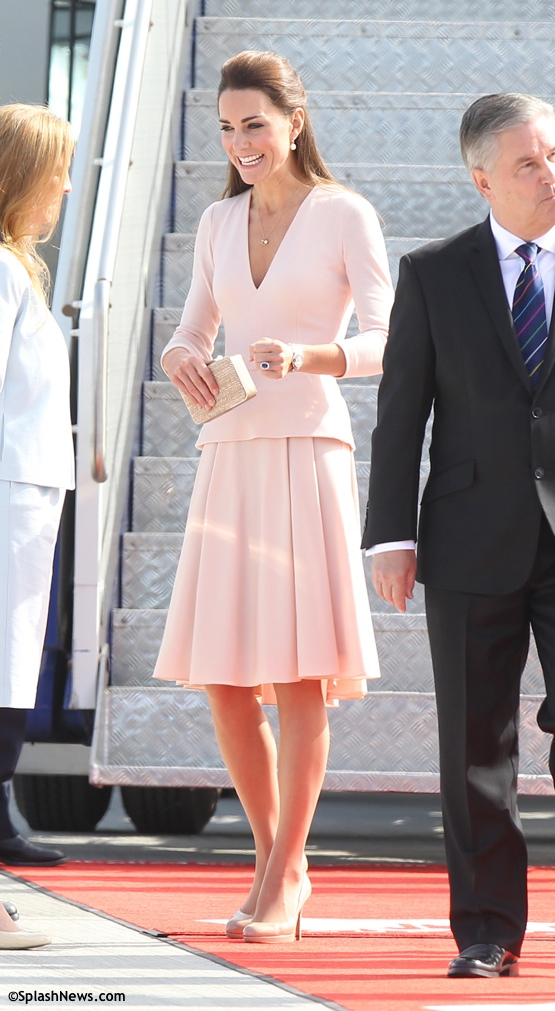 The Royals arrive into Adelaide